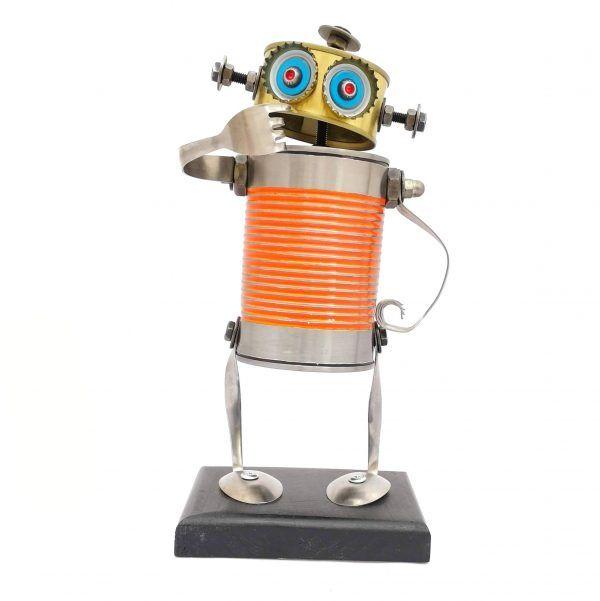 Robot mediano naranja duda